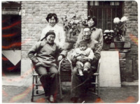 The Chinese Jewish family  in Kaifeng.